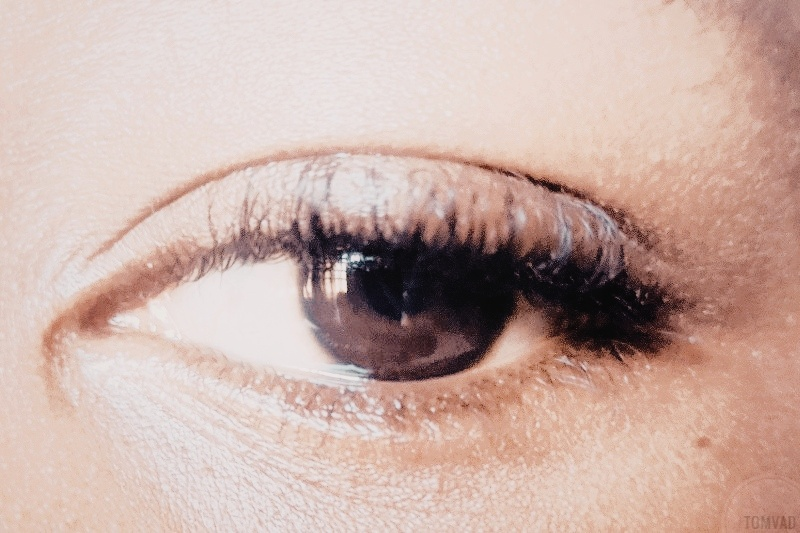 A crystal clear eye showing the health benefits of zobo drinks